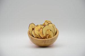 Bol de pommes séchées bio en vrac